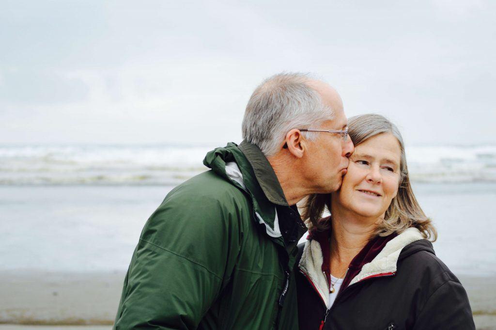 Man en vrouw op het strand